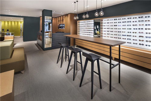 合肥店铺装修:360㎡的眼镜店
