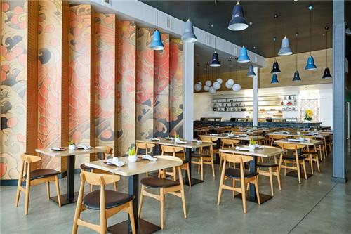 以古代纹身艺术为主题的东京餐饮店